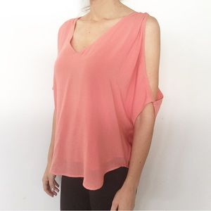 Anthropologie Cloth & Stone Cold Shoulder Top